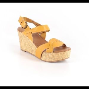 Crown Vintage Cielo Yellow Wedge Sandal Size 6